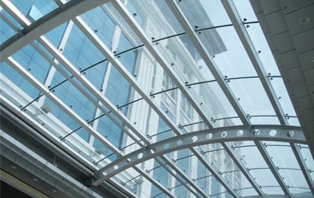 哈尔滨玻璃金属装饰公司:玻璃屋顶的玻璃采光顶的分类