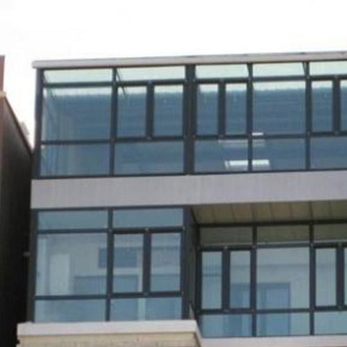 哈尔滨玻璃幕墙:什么是建筑幕墙工程